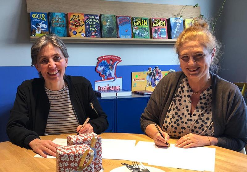 Wij openen de boekhandel; Marlene Rebel en Lucinda Vos